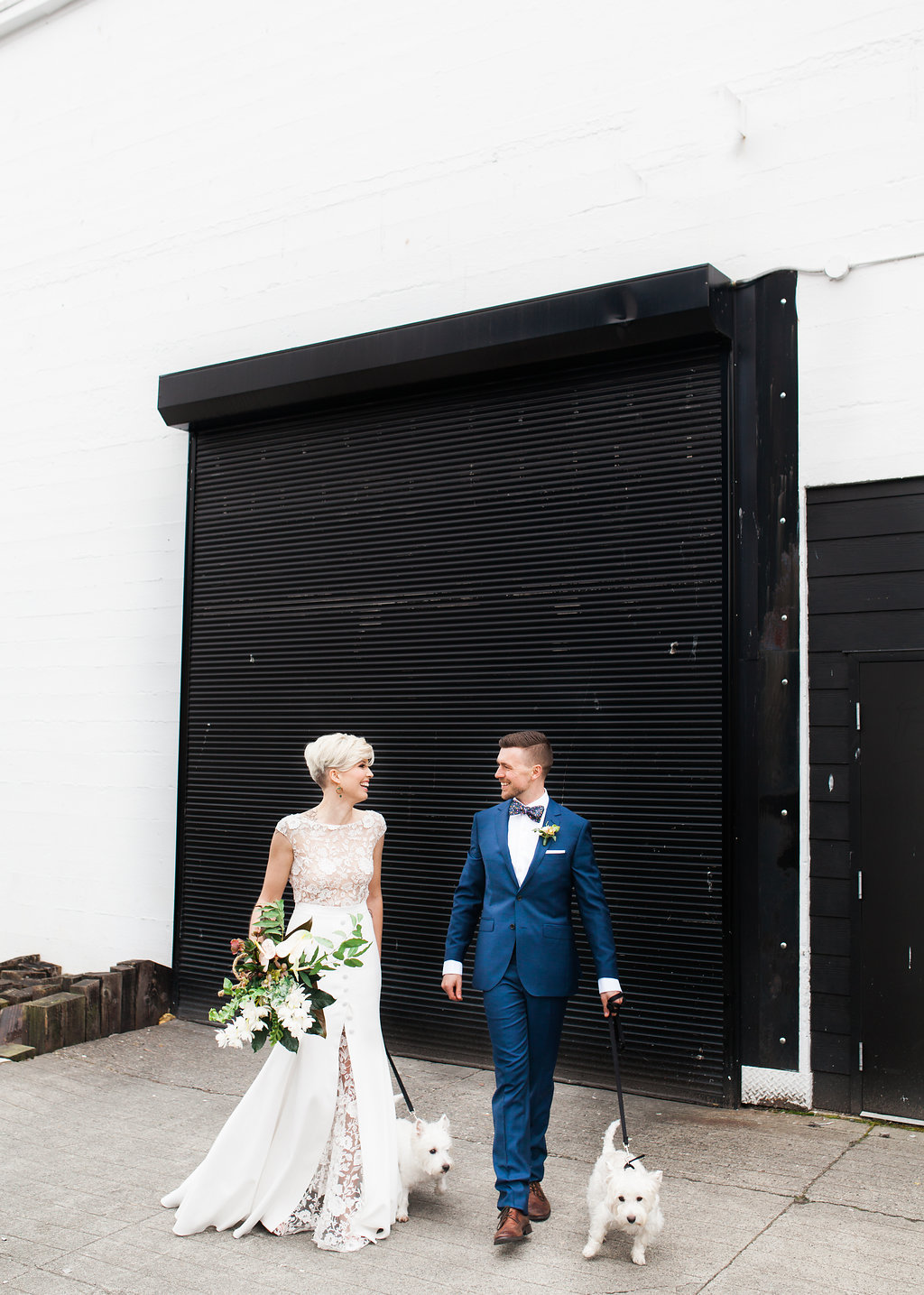 wedding photography - photo by Katt Willson https://ruffledblog.com/stylish-tropical-wedding-inspiration-in-the-pacific-northwest