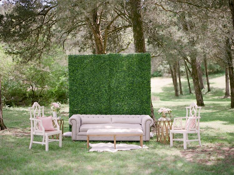 garden inspired wedding ideas - photo by Christy Wilson Photography https://ruffledblog.com/summer-castle-soiree-wedding-inspiration