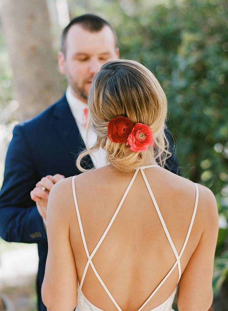 wedding hair flowers - photo by Ana and Jerome https://ruffledblog.com/summer-destination-wedding-in-mexico-with-bright-pinks