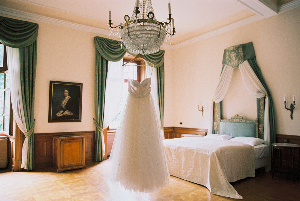 wedding dresses - photo by Warm Photo http://ruffledblog.com/summer-love-wedding-in-austria