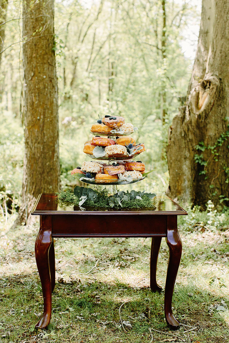 wedding dessert tables - photo by Elizabeth M Photography http://ruffledblog.com/summer-meets-fall-wedding-inspiration-in-the-woods