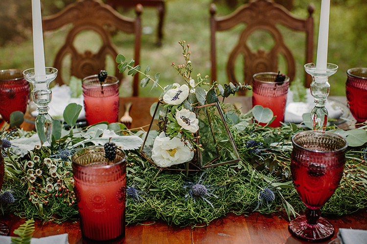 romantic woodland tablescapes - photo by Elizabeth M Photography http://ruffledblog.com/summer-meets-fall-wedding-inspiration-in-the-woods