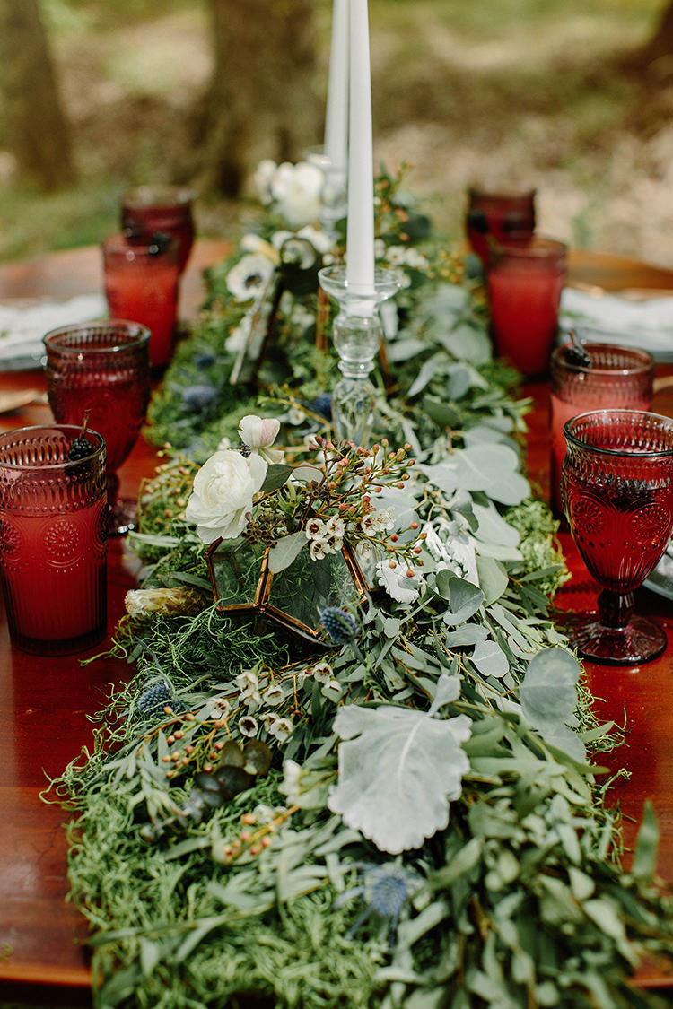 wedding tablescapes with greenery - photo by Elizabeth M Photography http://ruffledblog.com/summer-meets-fall-wedding-inspiration-in-the-woods