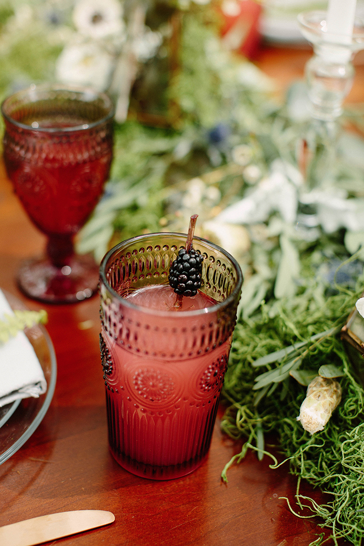 fall wedding drinks - photo by Elizabeth M Photography http://ruffledblog.com/summer-meets-fall-wedding-inspiration-in-the-woods