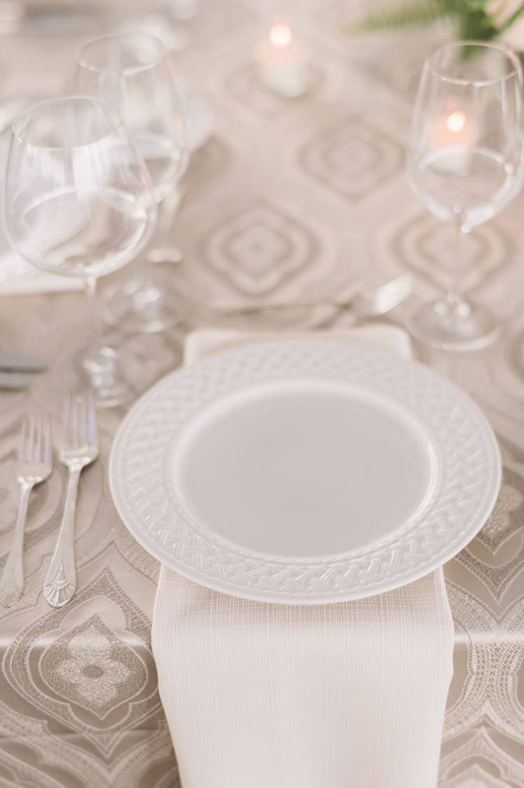place settings - photo by Paper Antler https://ruffledblog.com/summer-sunset-wedding-in-wisconsin