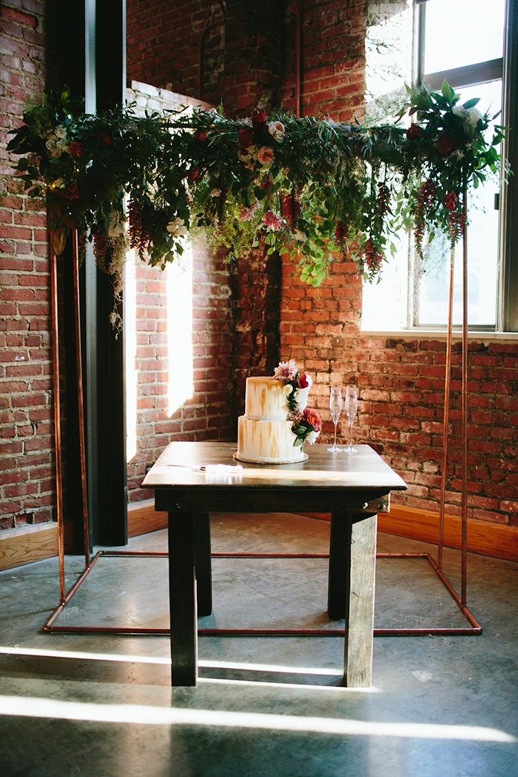 modern metallic wedding ideas - http://ruffledblog.com/sweet-botanical-southern-wedding-with-metallic-accents