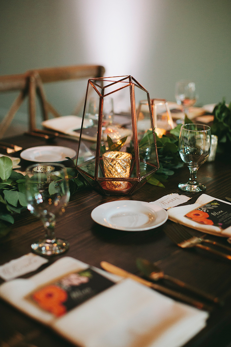 metallic geometric wedding ideas - http://ruffledblog.com/sweet-botanical-southern-wedding-with-metallic-accents