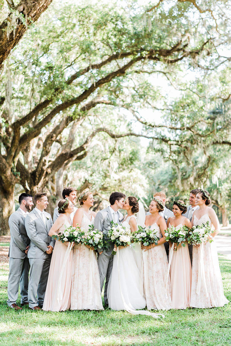 southern wedding parties - https://ruffledblog.com/swoon-worthy-charleston-wedding-with-spanish-moss