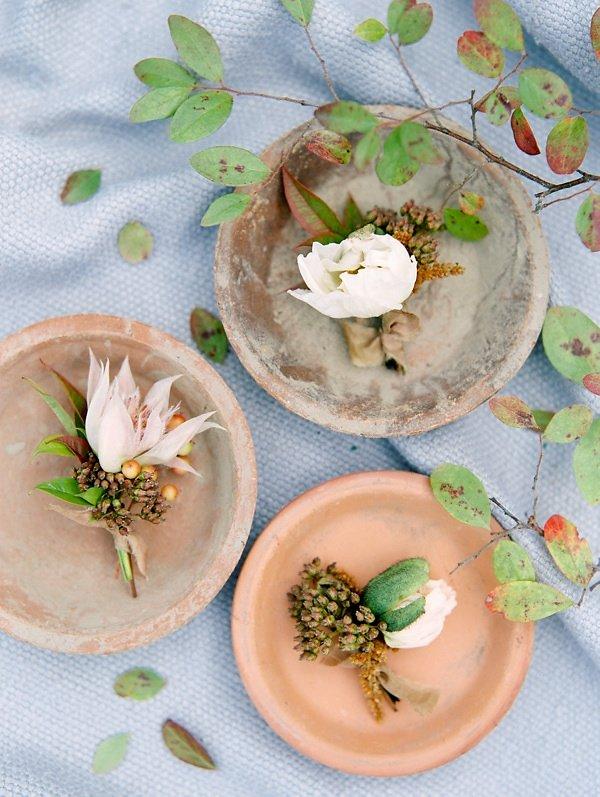 Terracotta and Gray Wedding Inspiration #fallwedding #fallflowers #fineartwedding #weddingblog