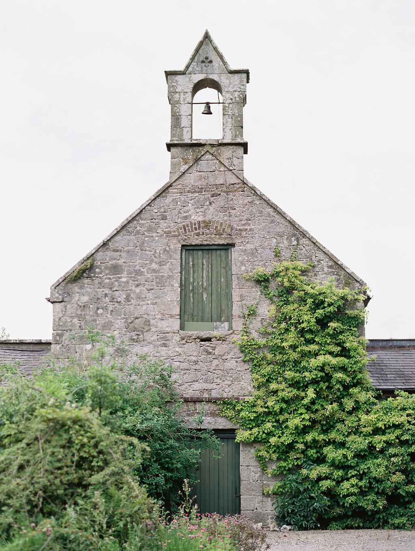 Irish wedding venues - photo by As Ever Photography http://ruffledblog.com/the-secret-garden-inspired-wedding-in-ireland
