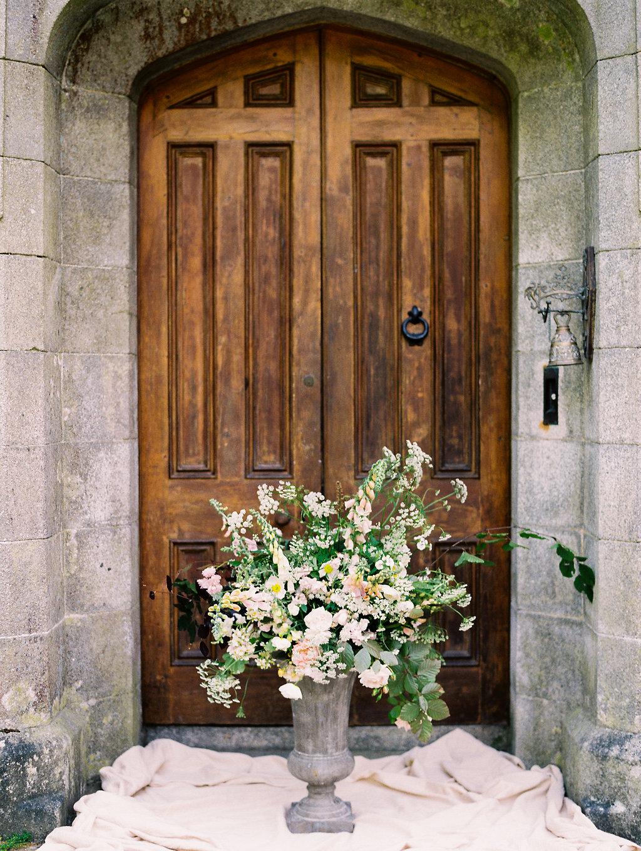 wedding flowers - photo by As Ever Photography https://ruffledblog.com/the-secret-garden-inspired-wedding-in-ireland