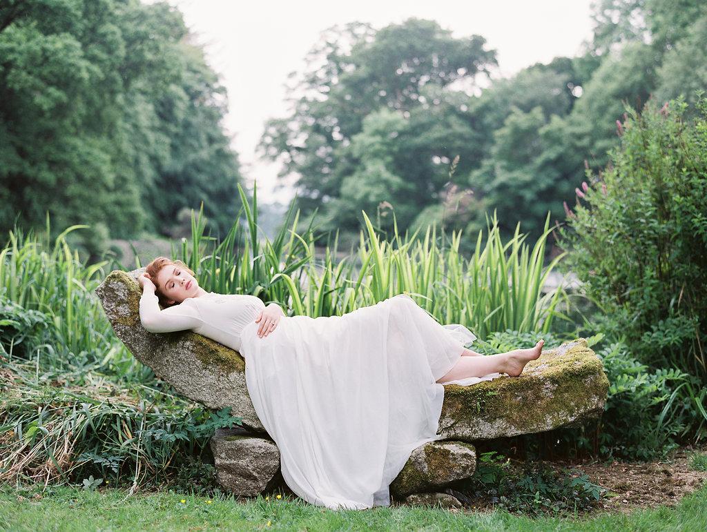Secret Garden inspired wedding ideas - photo by As Ever Photography https://ruffledblog.com/the-secret-garden-inspired-wedding-in-ireland