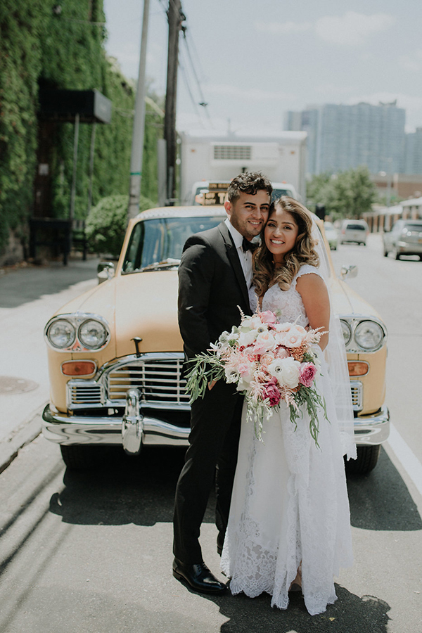 Romantic Industrial Wedding Venue in NYC #newyorkweddingvenues #pinkweddingflowers #pninatornaidresses