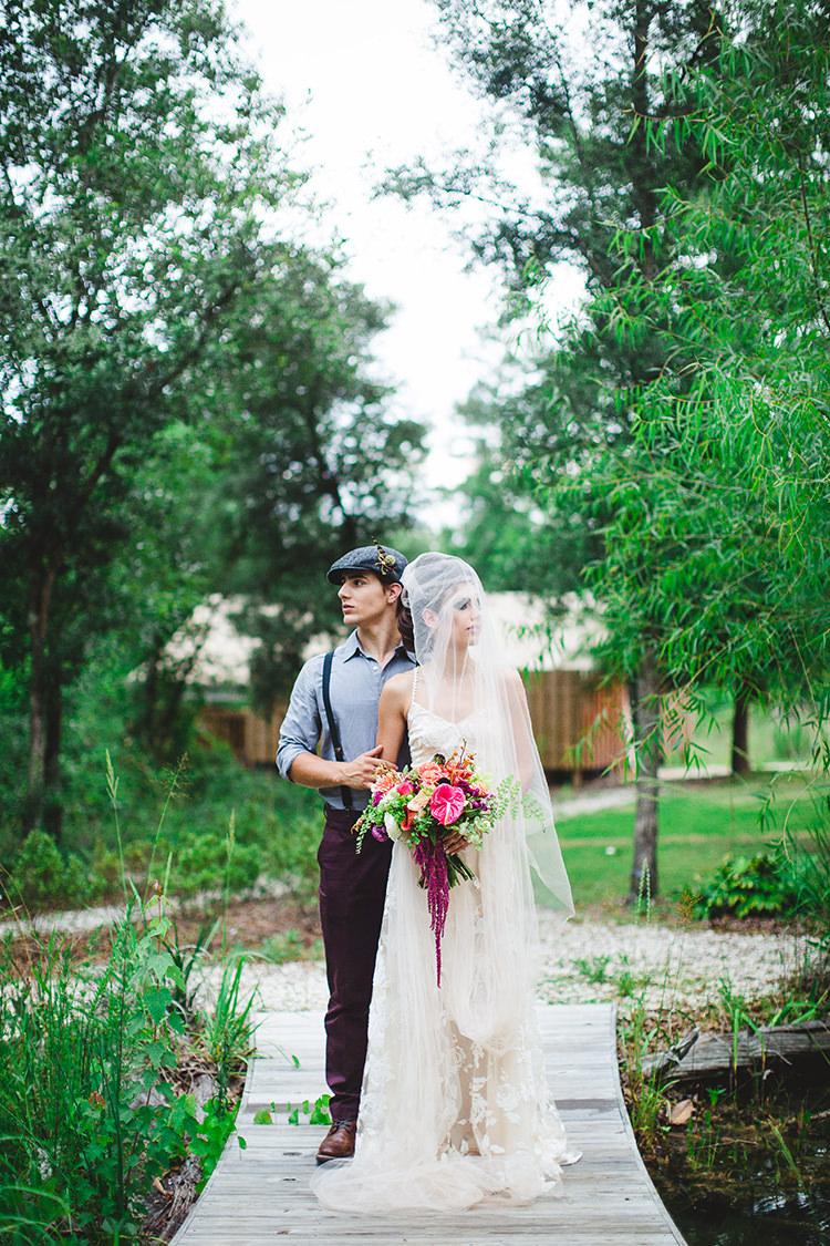 tropical modern wedding inspiration - http://ruffledblog.com/tropical-glamping-wedding-inspiration-with-moody-hues