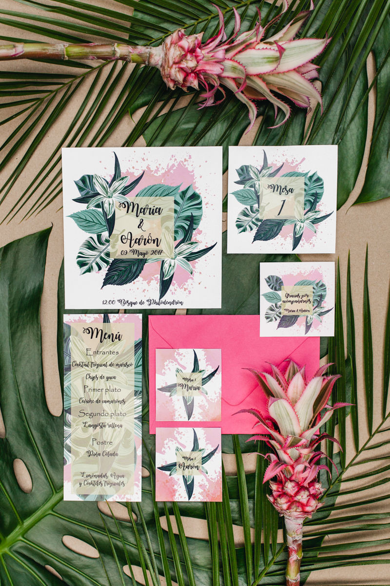 tropical wedding invitations - photo by Sarah and Nora Photographers http://ruffledblog.com/tropical-spanish-wedding-inspiration-with-philodendrons