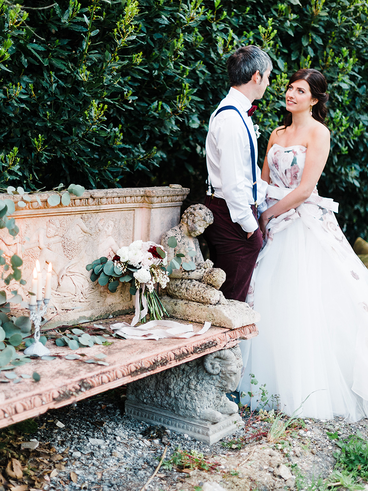 romantic wedding photography - photo by Linda Nari Photography https://ruffledblog.com/tuscan-warehouse-wedding-inspiration-with-a-floral-bridal-gown