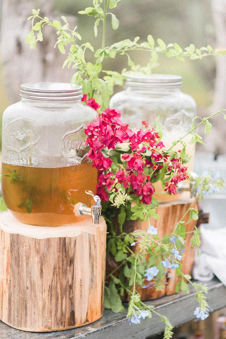 wedding drinks - photo by Adriana Morais https://ruffledblog.com/two-day-destination-wedding-celebration-in-portugal