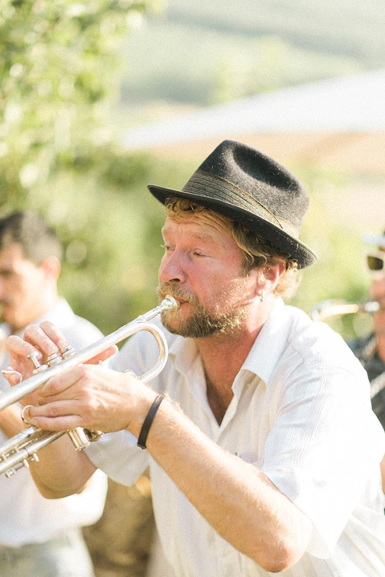 wedding music - photo by Adriana Morais https://ruffledblog.com/two-day-destination-wedding-celebration-in-portugal