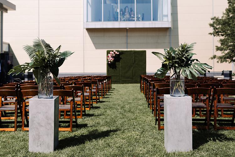 rooftop wedding ceremonies - https://ruffledblog.com/urban-chic-art-gallery-wedding-in-ontario
