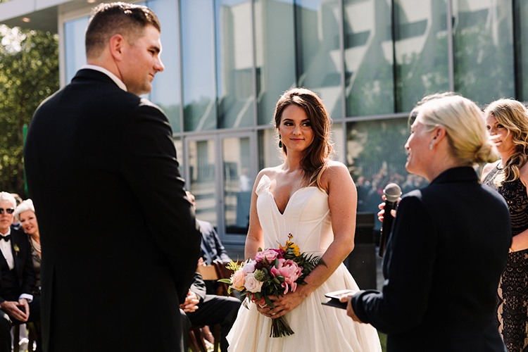wedding ceremonies - https://ruffledblog.com/urban-chic-art-gallery-wedding-in-ontario