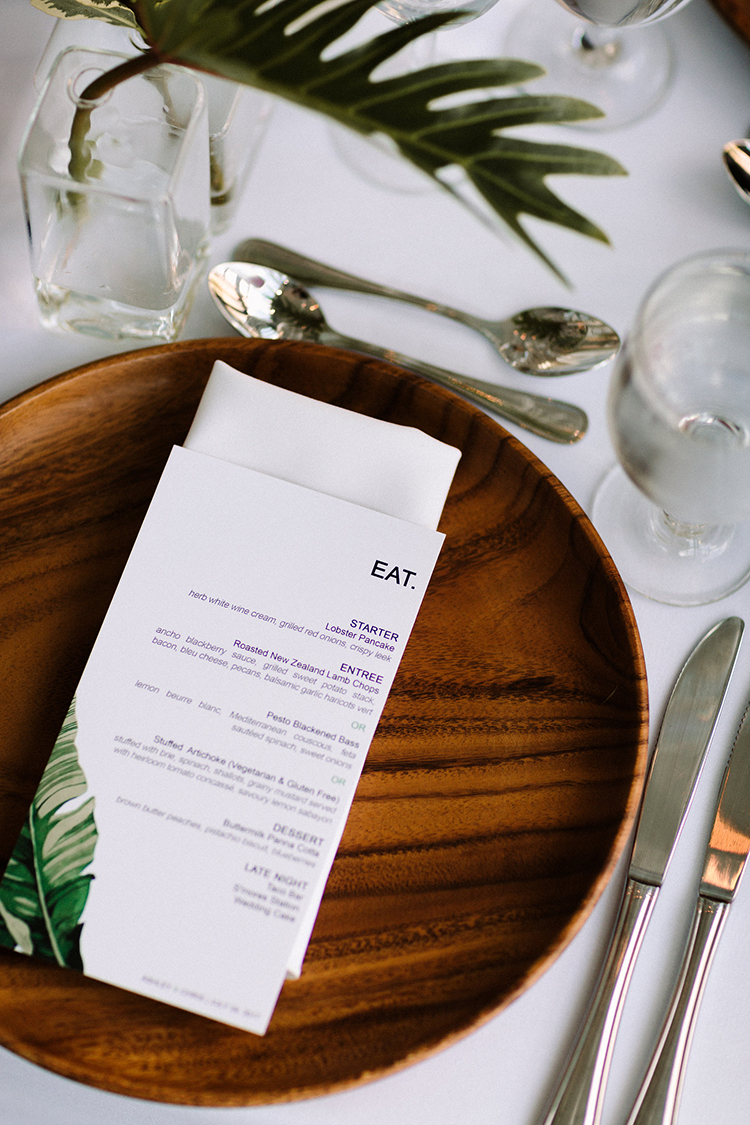 modern wedding paper goods - https://ruffledblog.com/urban-chic-art-gallery-wedding-in-ontario