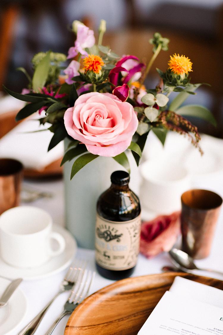 simple organic wedding floral arrangements - https://ruffledblog.com/urban-chic-art-gallery-wedding-in-ontario
