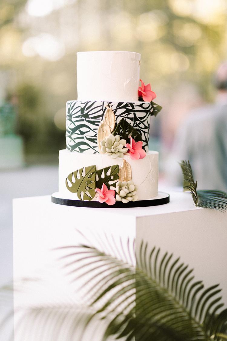 graphic wedding cake ideas with tropical accents - https://ruffledblog.com/urban-chic-art-gallery-wedding-in-ontario