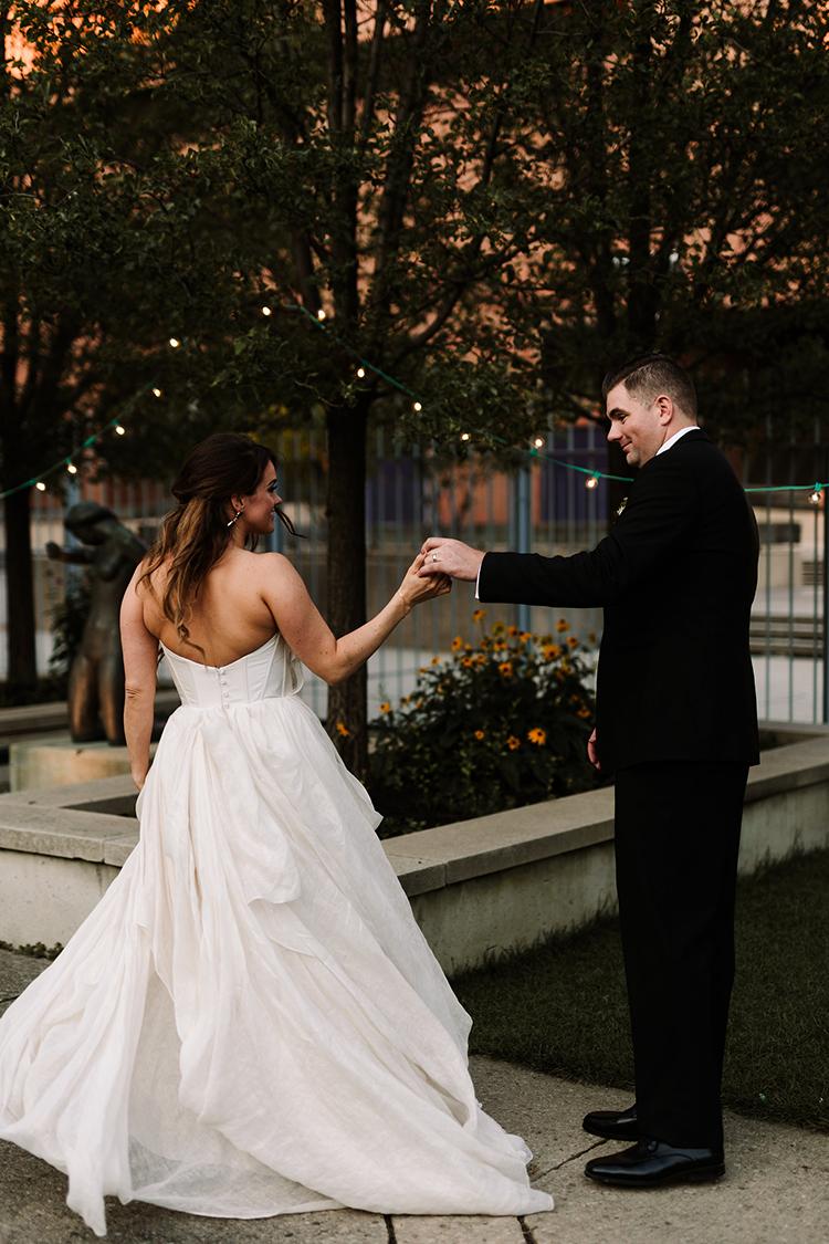 wedding dances - https://ruffledblog.com/urban-chic-art-gallery-wedding-in-ontario