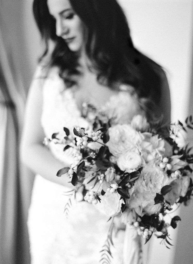 bridal style - photo by Lacie Hansen http://ruffledblog.com/utterly-beautiful-california-wedding-planned-by-the-bride