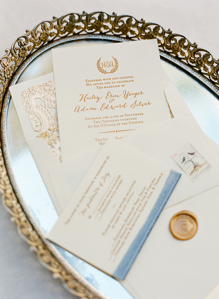 classic and traditional wedding invitations - photo by Lacie Hansen http://ruffledblog.com/utterly-beautiful-california-wedding-planned-by-the-bride