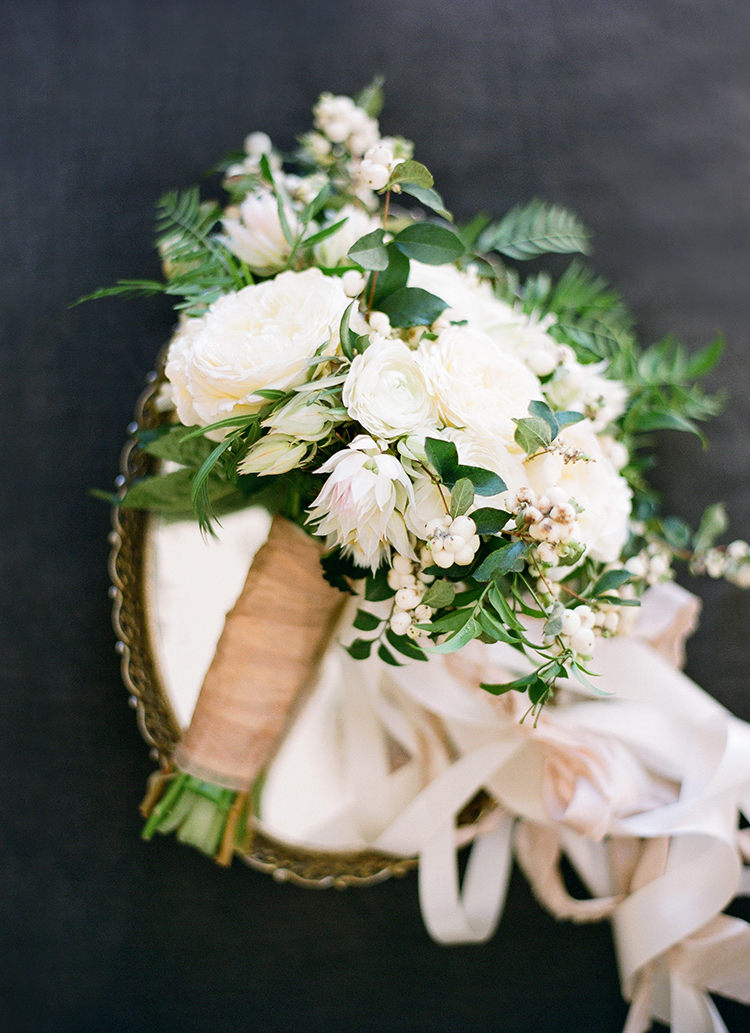 lush ivory bouquets - photo by Lacie Hansen http://ruffledblog.com/utterly-beautiful-california-wedding-planned-by-the-bride