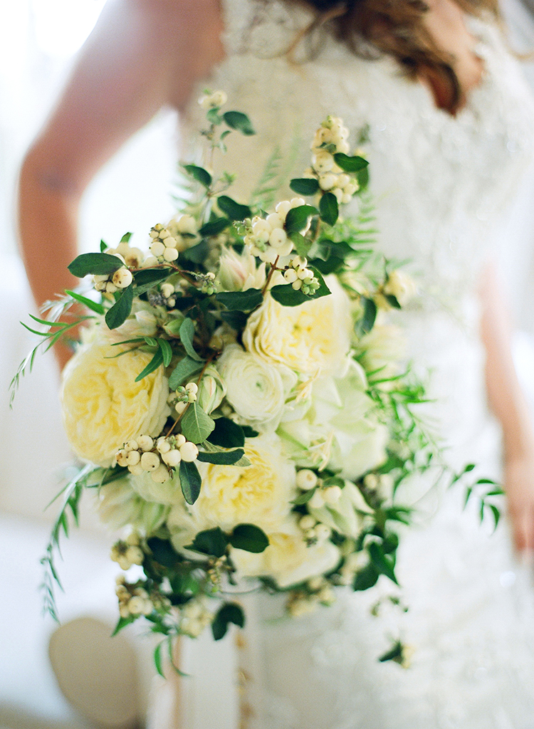 ivory and light yellow bouquets - photo by Lacie Hansen http://ruffledblog.com/utterly-beautiful-california-wedding-planned-by-the-bride