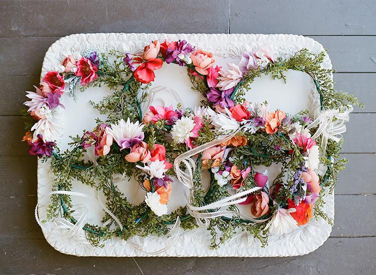 wedding flowers for boho events - photo by Erica Schneider Photography http://ruffledblog.com/vegetable-garden-inspired-wedding-with-seriously-lush-details