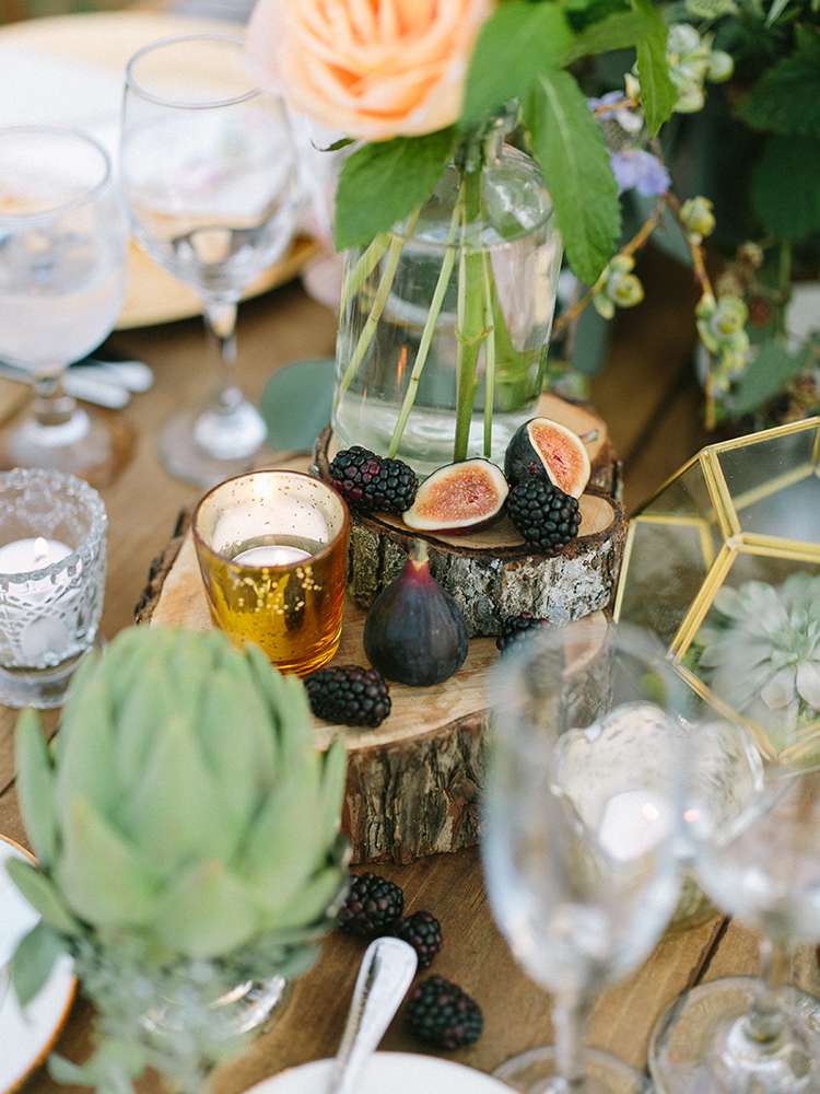 figs at weddings - photo by Erica Schneider Photography http://ruffledblog.com/vegetable-garden-inspired-wedding-with-seriously-lush-details