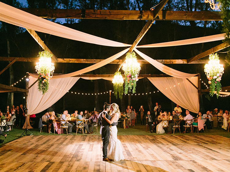 first dances - photo by Erica Schneider Photography http://ruffledblog.com/vegetable-garden-inspired-wedding-with-seriously-lush-details