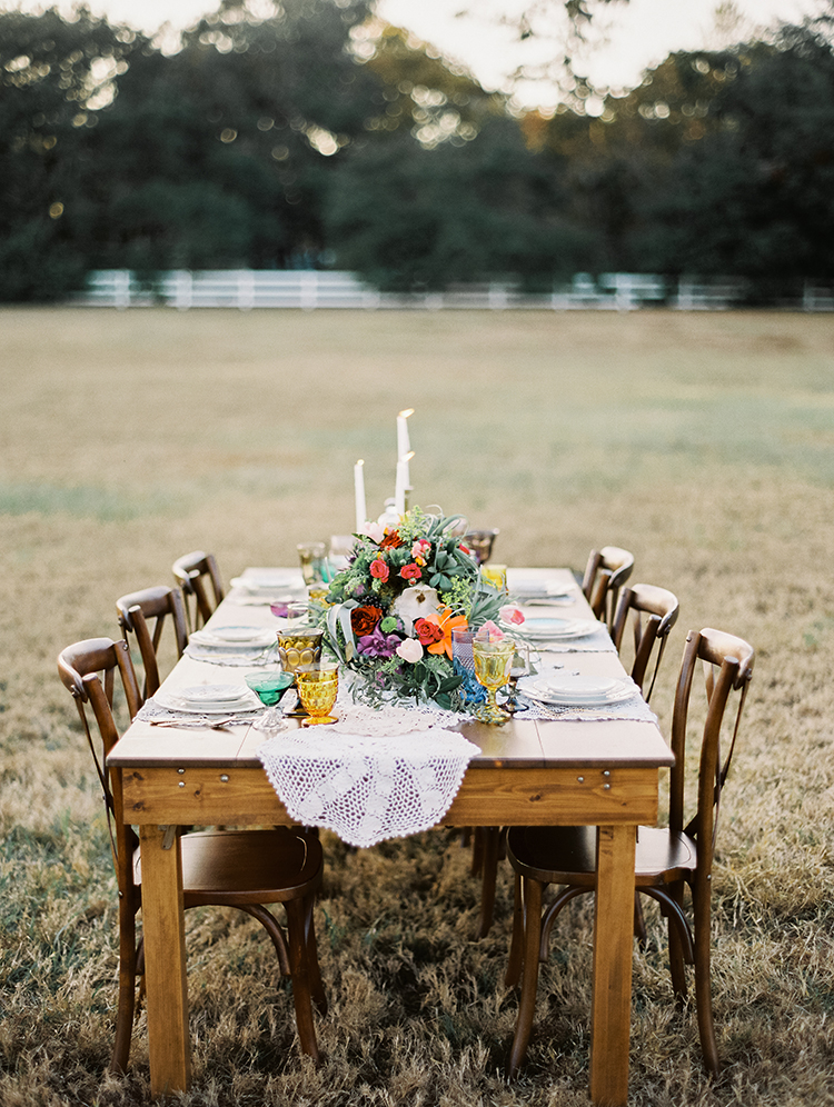 romantic bohemain wedding tables - photo by Best Photography http://ruffledblog.com/vibrant-southern-bohemian-wedding-inspiration