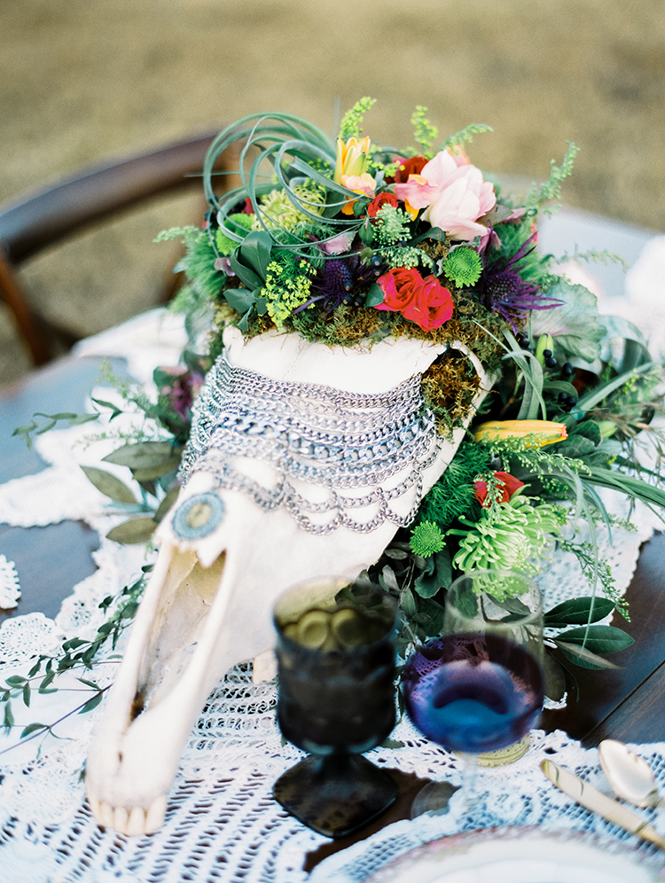 glam bohemian wedding details - photo by Best Photography http://ruffledblog.com/vibrant-southern-bohemian-wedding-inspiration
