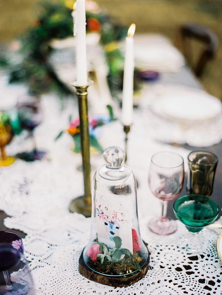 romantic vintage inspired tablecapes - photo by Best Photography https://ruffledblog.com/vibrant-southern-bohemian-wedding-inspiration