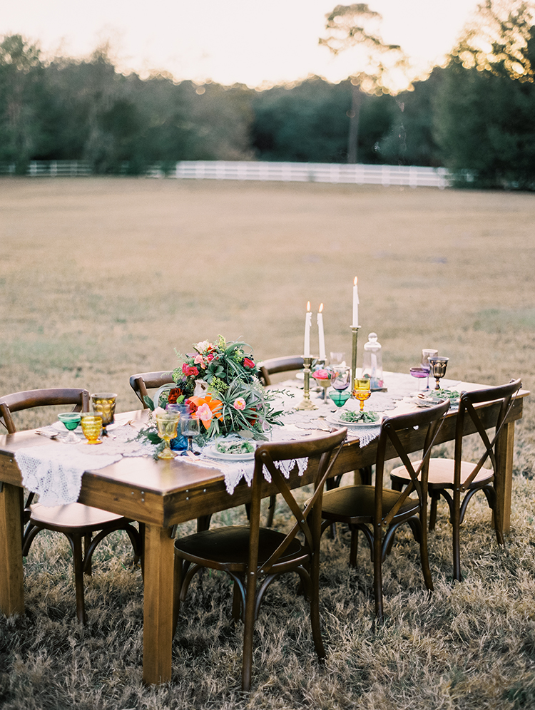 romantic wedding tables - photo by Best Photography http://ruffledblog.com/vibrant-southern-bohemian-wedding-inspiration