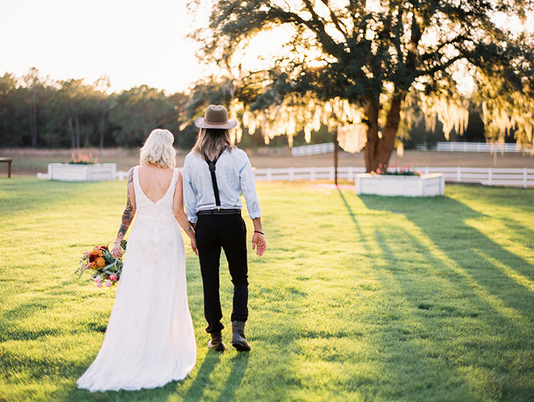 bohemian wedding inspiration - photo by Best Photography https://ruffledblog.com/vibrant-southern-bohemian-wedding-inspiration