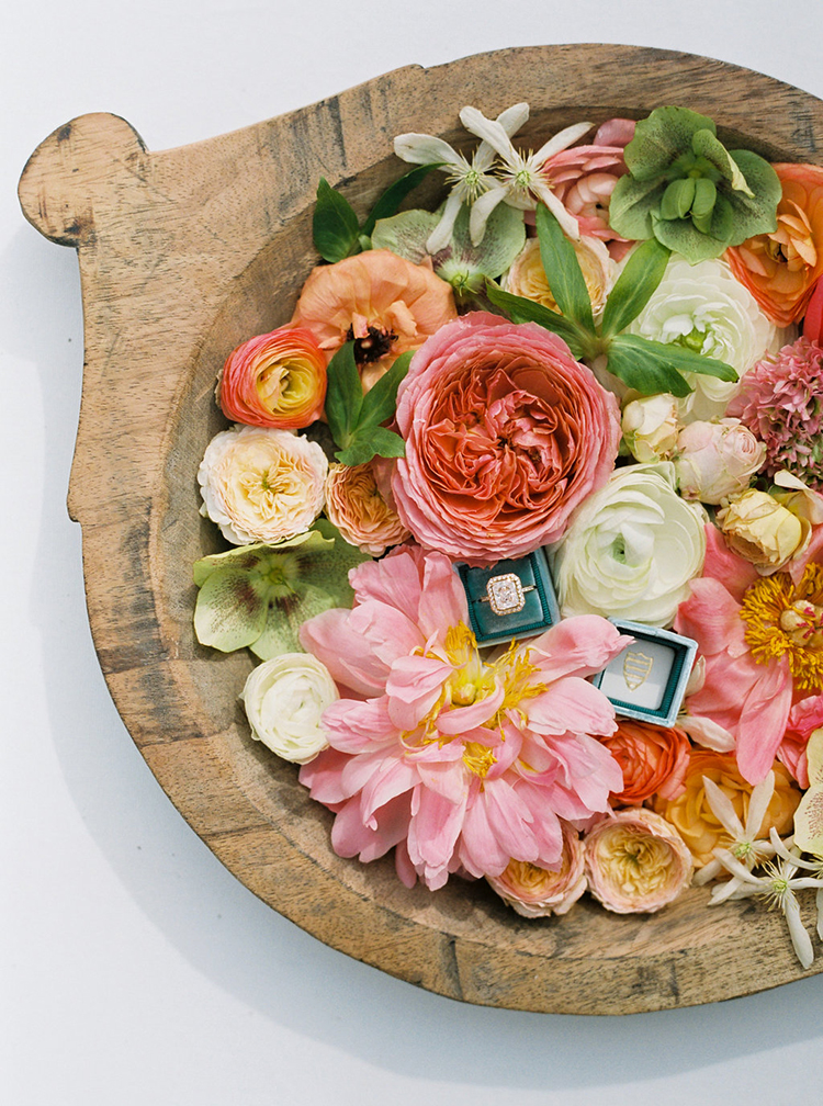 wedding flower arrangements - photo by Ali Mae Photo https://ruffledblog.com/vibrant-summer-wedding-inspiration-with-bridal-fashion