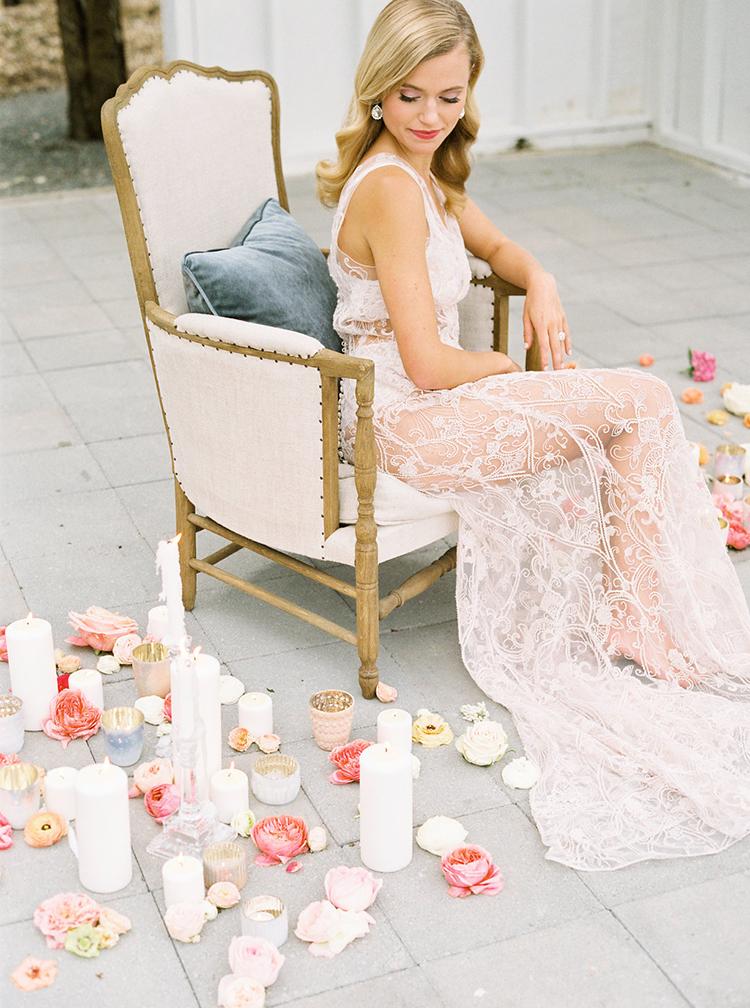 bridal fashion ideas - photo by Ali Mae Photo http://ruffledblog.com/vibrant-summer-wedding-inspiration-with-bridal-fashion