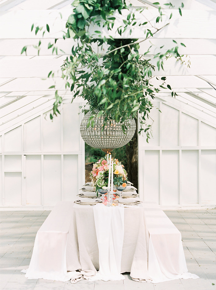 romantic garden weddings - photo by Ali Mae Photo http://ruffledblog.com/vibrant-summer-wedding-inspiration-with-bridal-fashion