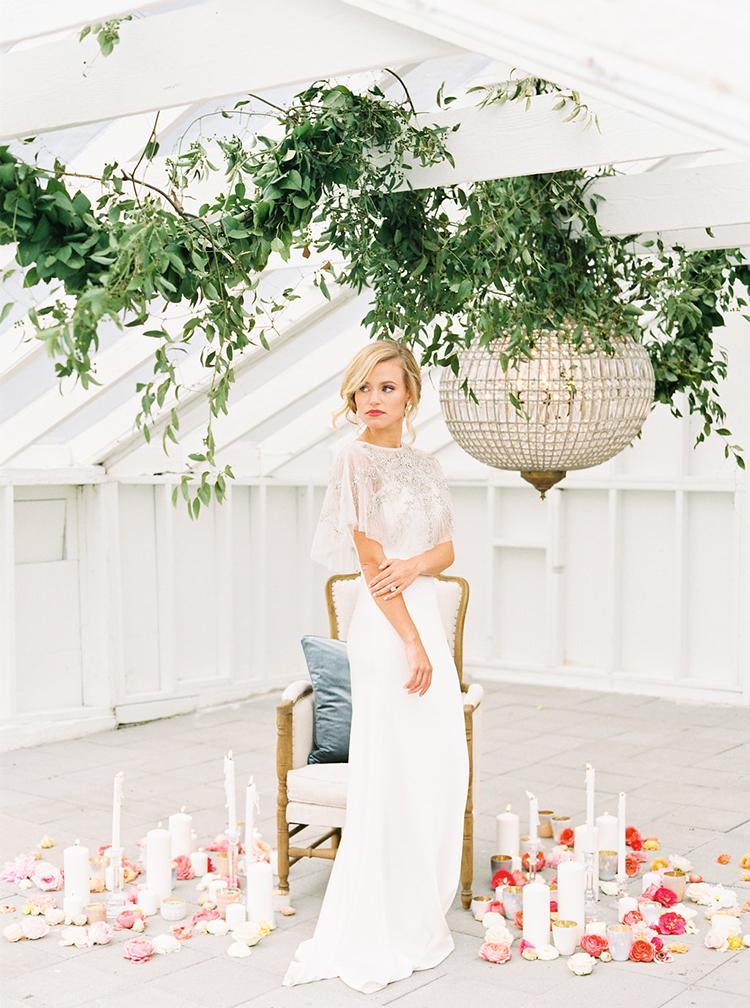 bridal wedding inspiration - photo by Ali Mae Photo https://ruffledblog.com/vibrant-summer-wedding-inspiration-with-bridal-fashion