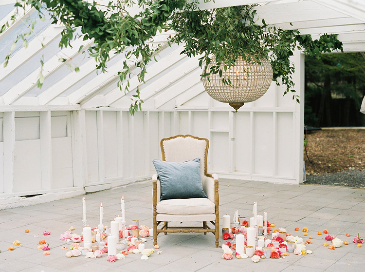 romantic wedding inspiration ideas - photo by Ali Mae Photo http://ruffledblog.com/vibrant-summer-wedding-inspiration-with-bridal-fashion