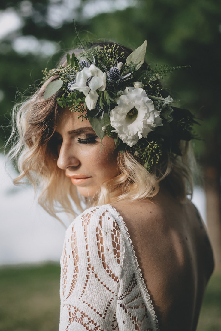 You can have a boho wedding at a vinyard, too! See more:  https://ruffledblog.com/boho-vineyard-wedding-ideas #bohowedding #boho #bride