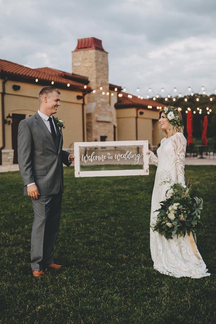 You can have a boho wedding at a vinyard, too! See more:  https://ruffledblog.com/boho-vineyard-wedding-ideas #bohowedding #boho #bride