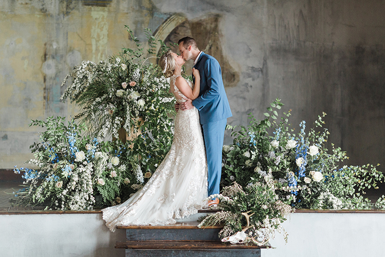 wedding photography - photo by Chloe Luka Photography https://ruffledblog.com/vintage-bohemia-wedding-ideas-with-statement-floral-arrangements