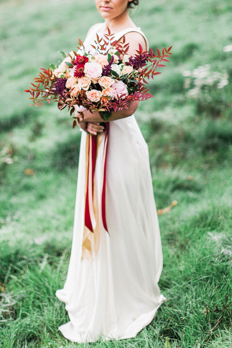 Winery Vow Renewal Inspiration with Autumn Leaves - http://ruffledblog.com/winery-vow-renewal-inspiration-with-autumn-leaves