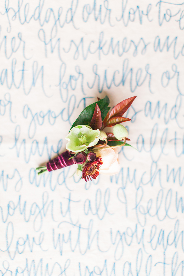 fall wedding boutonnieres - http://ruffledblog.com/winery-vow-renewal-inspiration-with-autumn-leaves